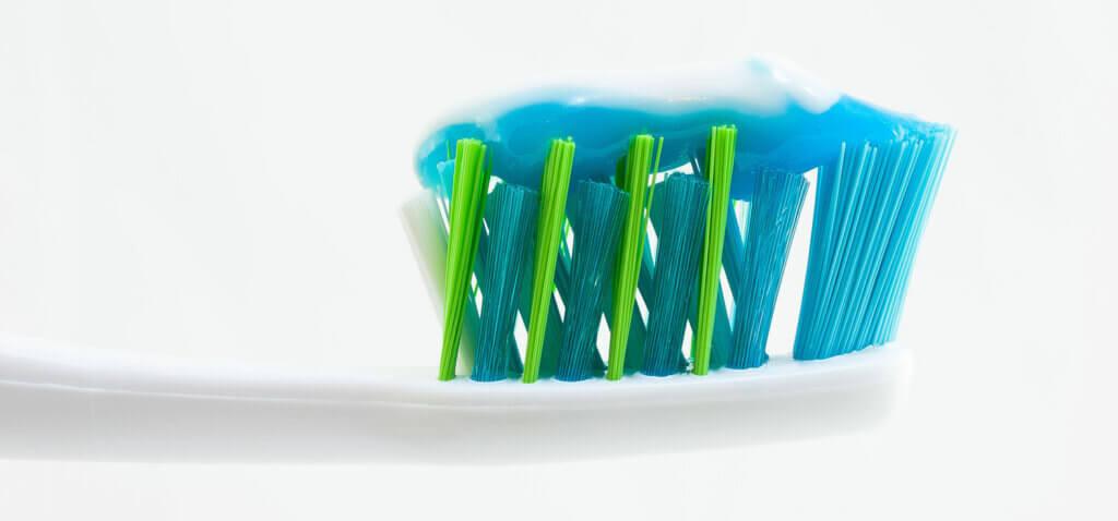 zahnpflege-zahnbuerste-zahnpasta